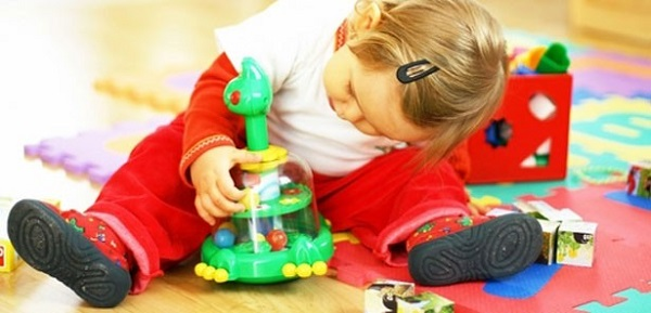 bebeklere uygun oyuncak seçimi